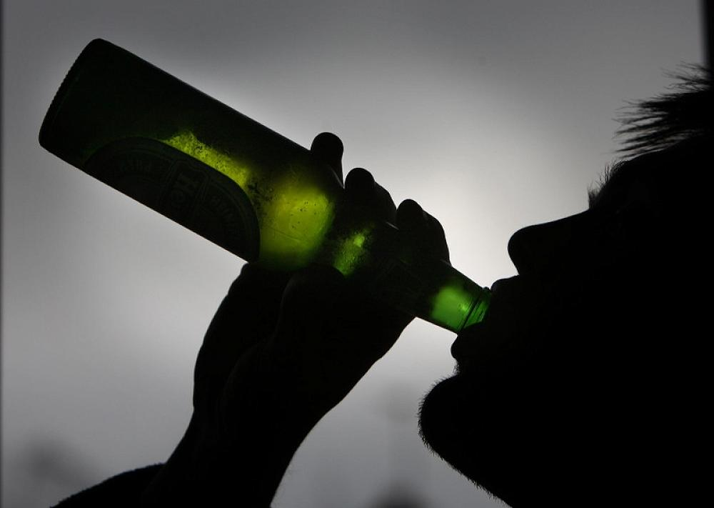 teenage drinking and its effects on the Get the facts on teenage drinking and learn the causes, risk factors, symptoms and signs of intoxication, treatment, dangers (alcohol alcoholism is a substance-use disorder in which the sufferer has problems managing how much and how frequently they dring alcohol and its negative effects on.
