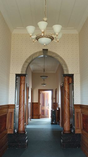 Entrance Hall - Chestnut Villa