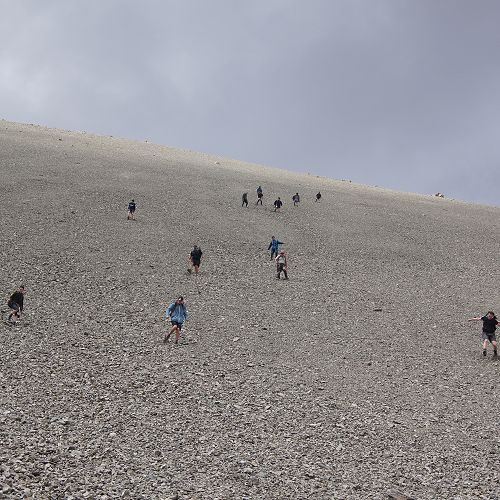 10JCU 'scree running' down from the saddle of Mt Mason