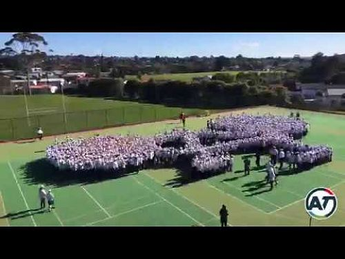 Video: GUINNESS WORLD RECORDS® achievement for the Largest human image of a bicycle