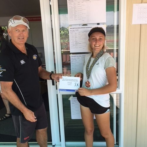 Dana Salmon receiving her 3rd place certificate (1)
