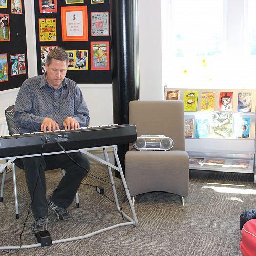 Dr 'Piano Man' Preston
