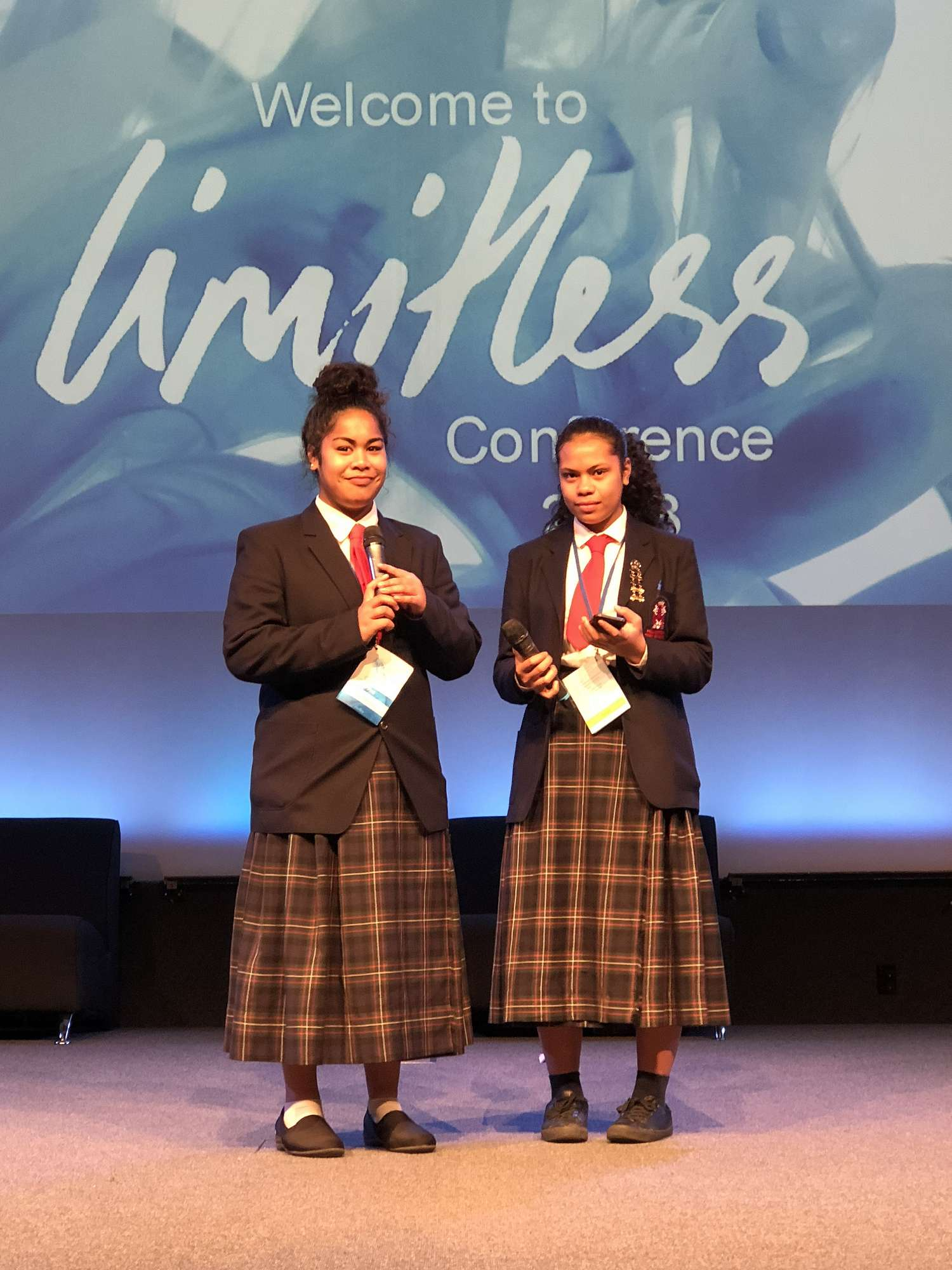 Avau and Lynette took to centre stage whilst at the LIMITLESS CONFERENCE and shared their talents