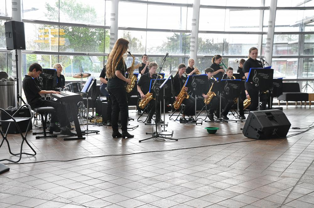 Jazz Band at the Art Gallery