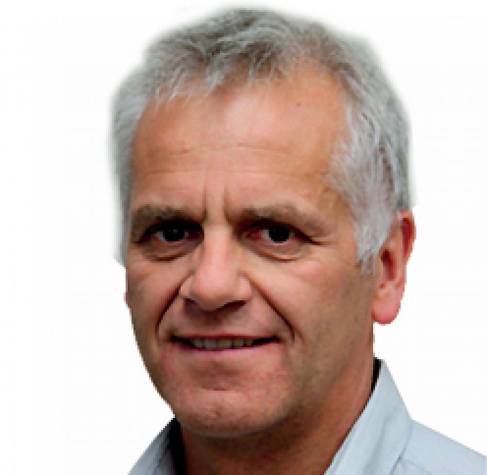 Neal Wallace, award winning journalist