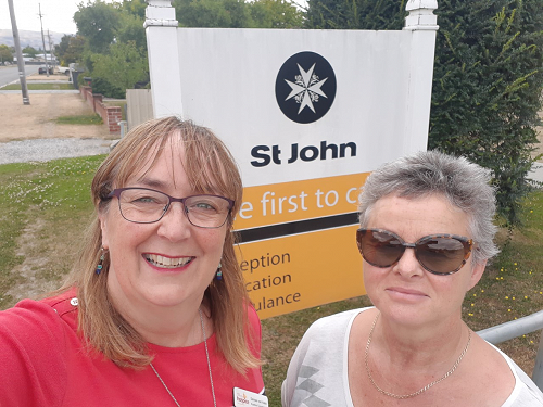 Kowhai Programmer Coordinator Denise van Aalst with Sandra Skinner, Office Manager at St Johns in Alexandra whoa re hosting our Alexandra Sessions.