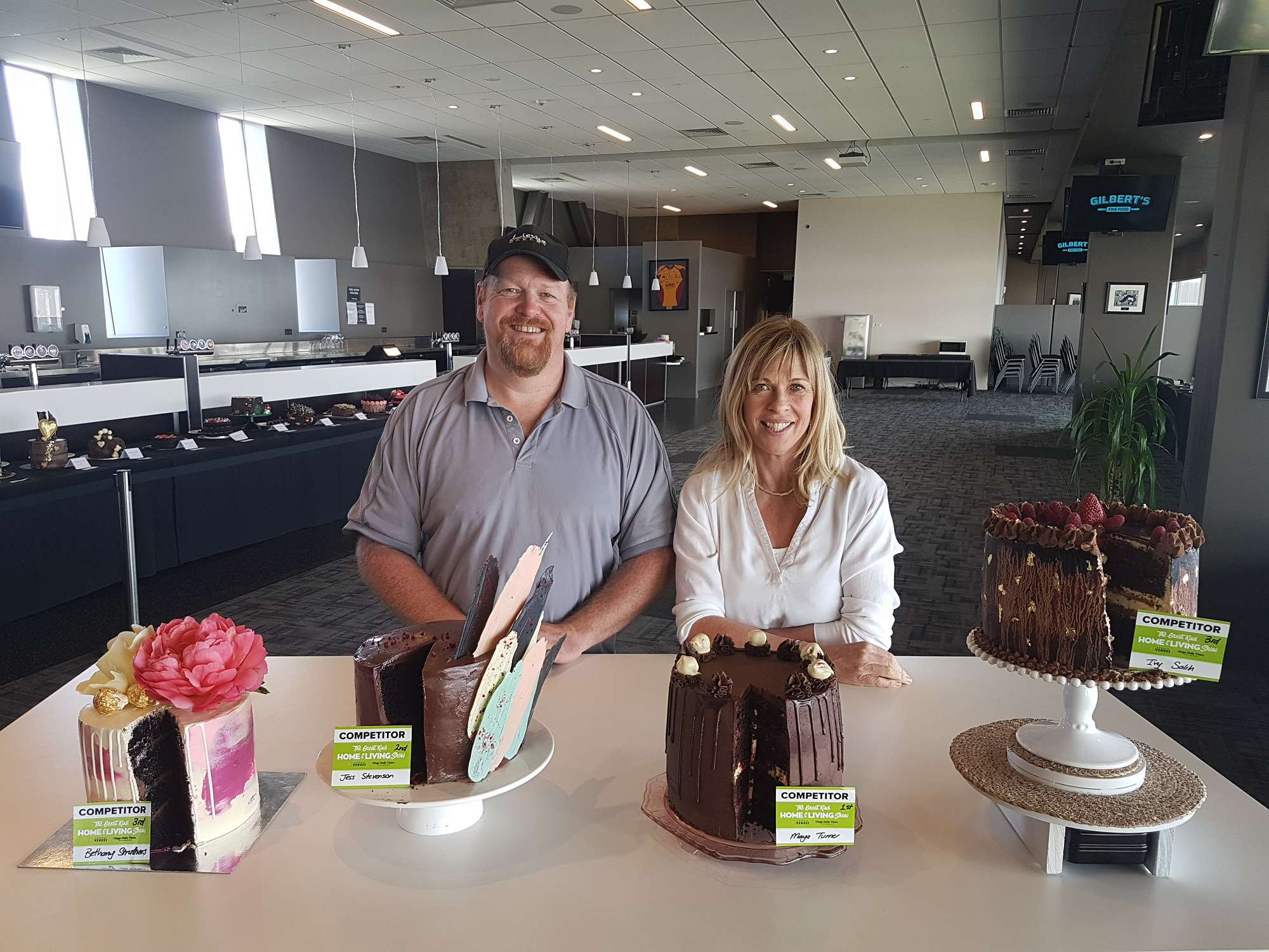 Kevin Gilbert and Annabel Langbein with the winnin
