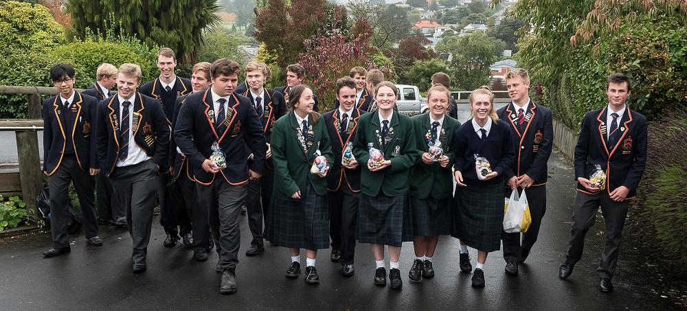 Prefects deliver Easter gifts to Redroofs residents