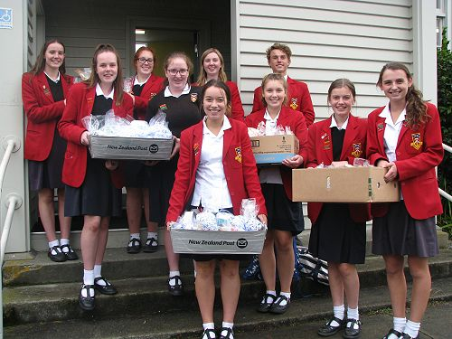 GHS students deliver Easter Baskets to members of