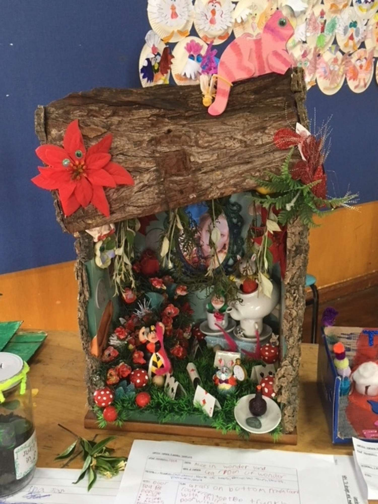 Christmas Shoebox Diorama.Amazing Dioramas Alice In Wonderland To The 4 Seasons