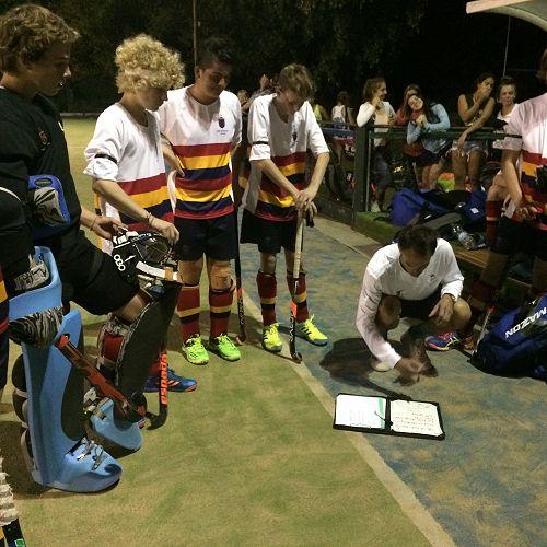 Team talk, San Fernando