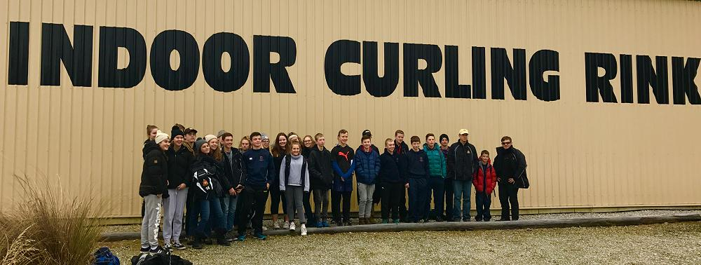 Rockhampton Student Exchange Group at Naseby for a day on the ice.