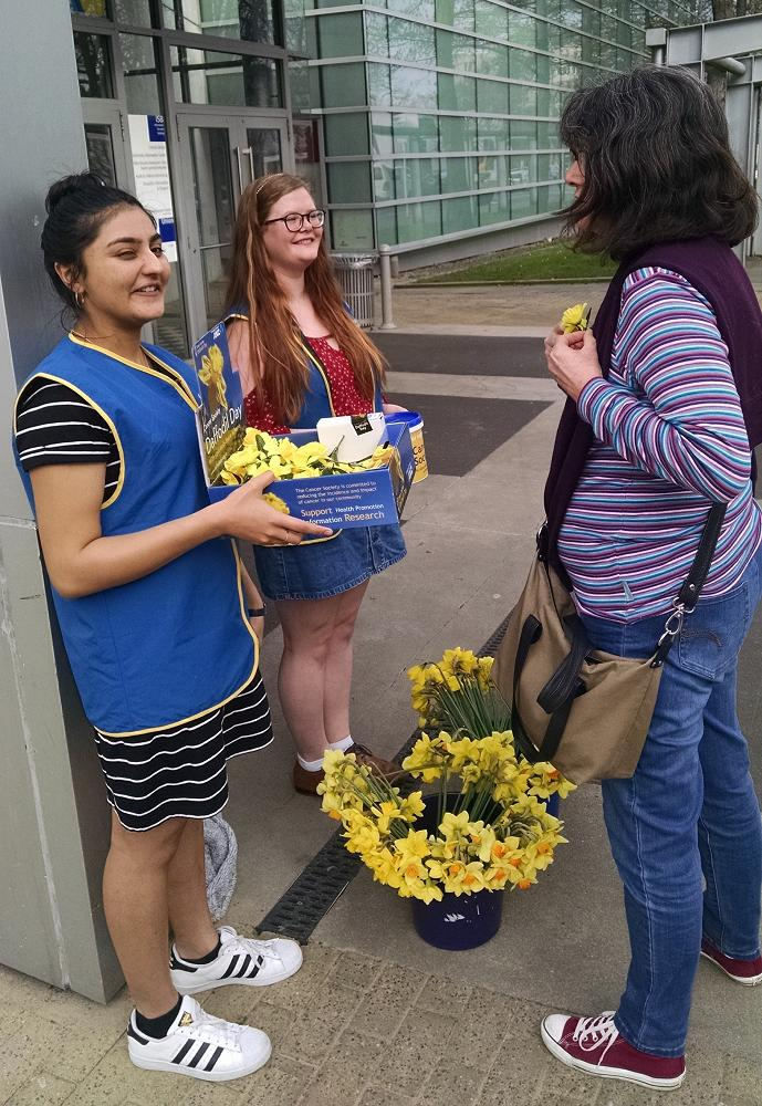 Rutvi Soni and Rowan Simmons collecting on Daffodi