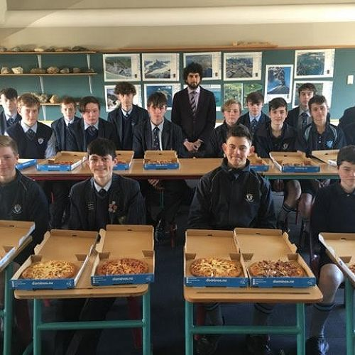 SJf with their pizzas