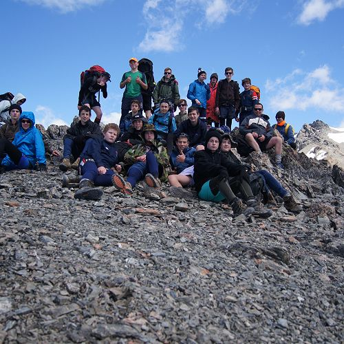 10GMU reaches the top of Mt Mason (1724m)