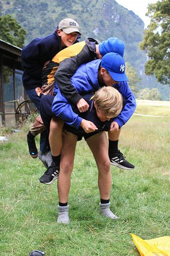 Multiple piggy back. Todd, George, Lachlan and Tho