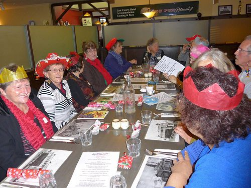 Dunedin SuperGrans enjoy a Xmas lunch