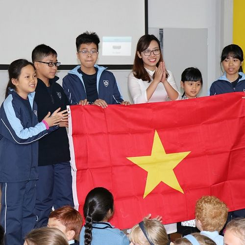 Welcome to our Vietnamese guests