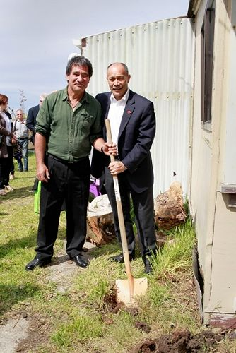 Governor General and Tuwhare Trust Patron Sir Jerr