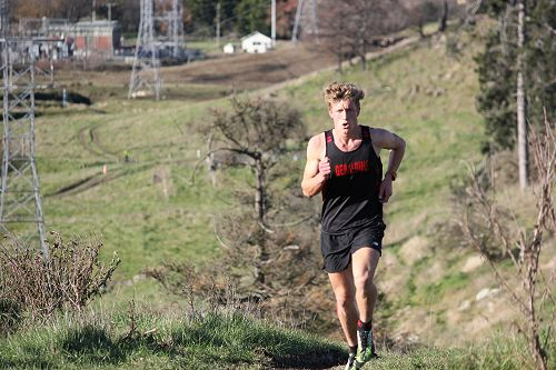 Stephen Harding competes in the Aoraki Cross Count