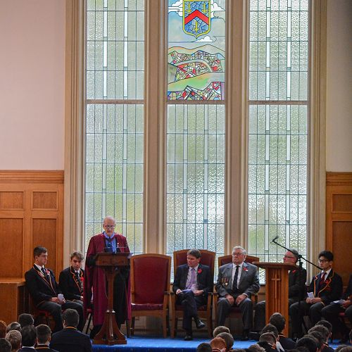 Dr George Davis addresses the college ANZAC 2106