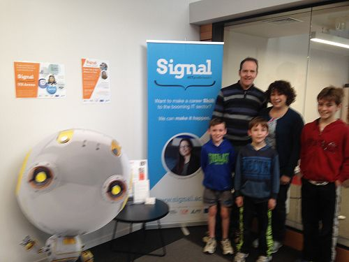SIGNAL's Vr Arena, part of NZSciFest, attracted ov