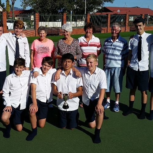 The competitors with Mrs Roberts, Club President 4th from right  and game markers.