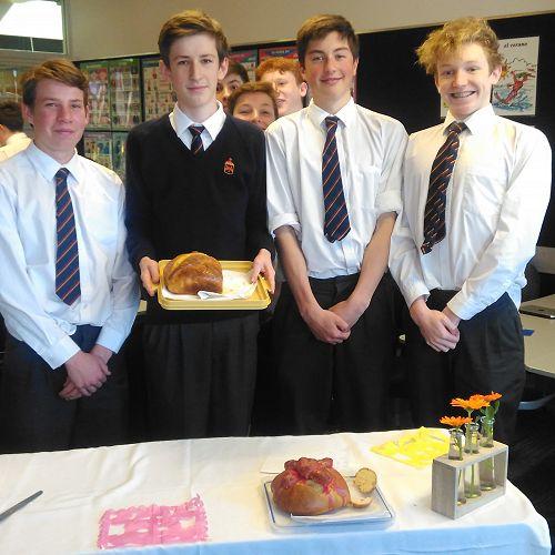 Year 10 Spanish presenting their bread!