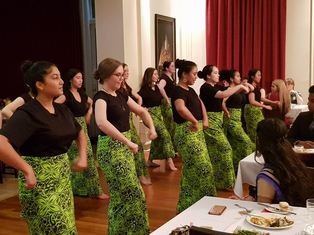 Mori and Pasifika Ropu performing Samoan Siva