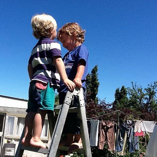 Cousins' playtime