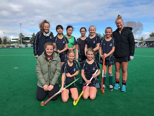Year 7/8 six a side hockey girls