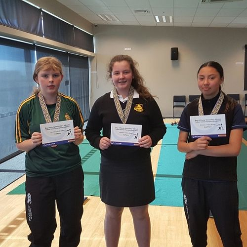 Indoor Bowls   Rose Raynor with Bronze Medal