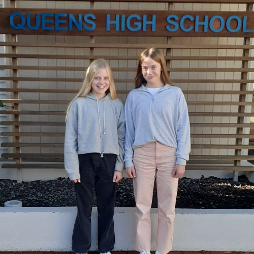 Emily-Rose & Gracie Young. Queen's High School Cross Country Champions 2021