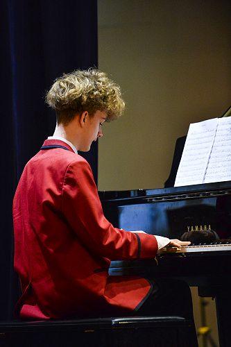 Oscar on Piano