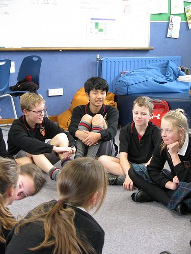 Korean students speak to Year 7 students about Kor
