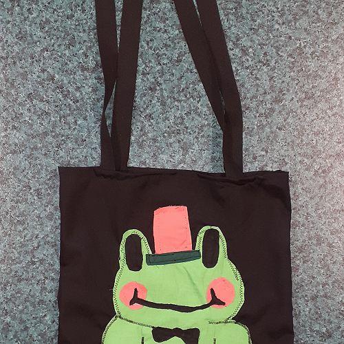 Amber's tote bag