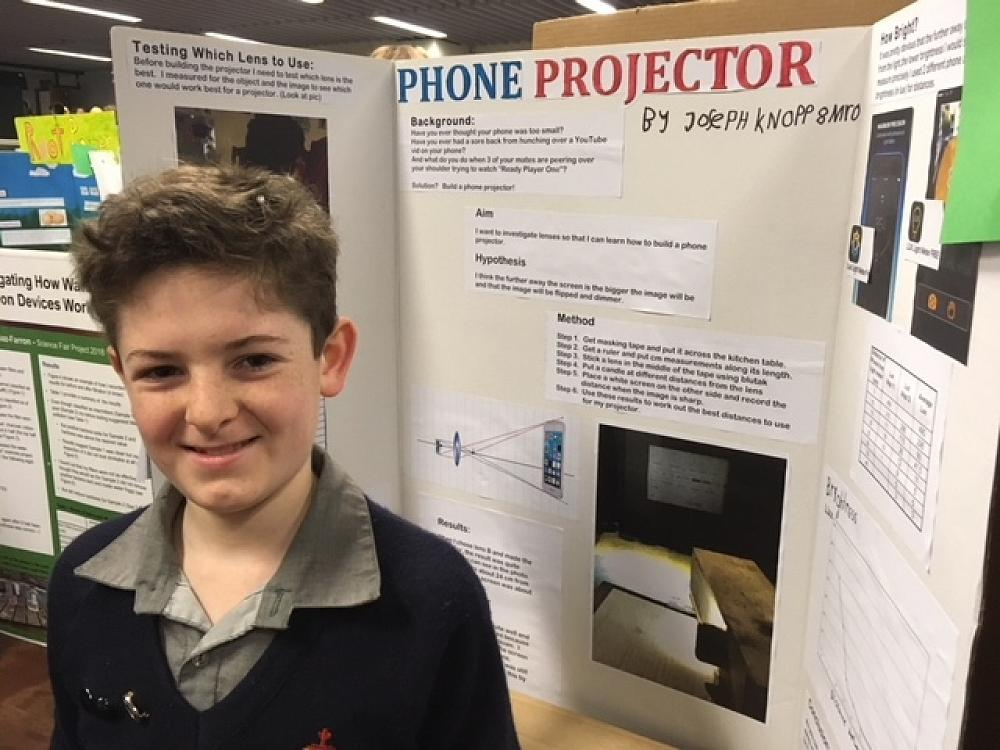 Joseph Knopp - Phone Projector