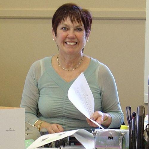 Mrs Sue Hanna