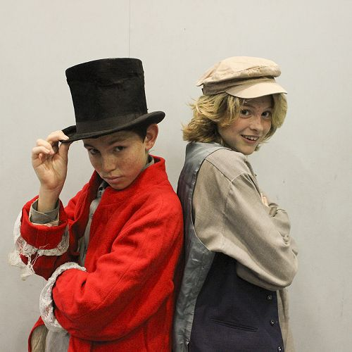 Dodger and Oliver (Sam Clark and Emily Furniss).