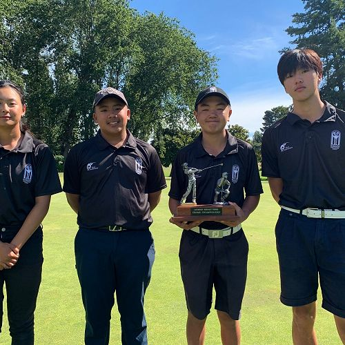 Amy Weng, Felix Nguyen, Yuki Miya, and Jeff Choi -Senior A Golf Team