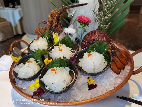 Wild Legend lobsters served as sashimi, the proof of quality of Southern Rock Lobsters.
