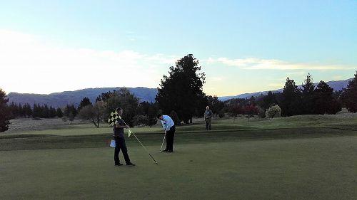 Beer 'n' Yarn Alexandra Golf Club (Central Otago)