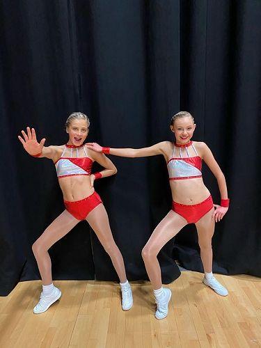 Pre-choreographed pair