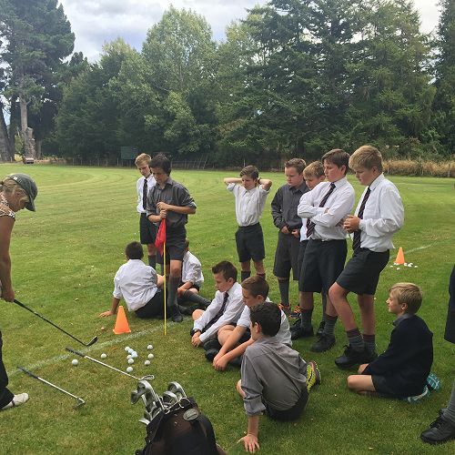 7MBE Golf Lessons with Melanie Harper.  Balmacewen Golf Course.