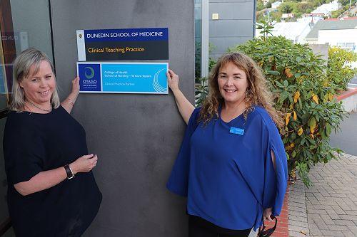 Otago Community Hospice and Otago Polytech celebrate their collaboration; working to develop training nurse's palliative skills.