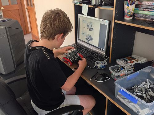 Jack from Room 1 created a Mindstorms Lego robot u