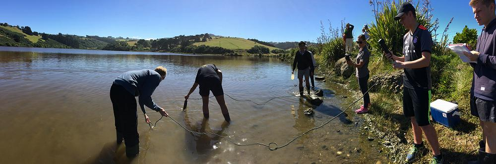 IB Students measure water quality at Tomahawk Lagoon