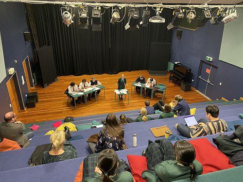 Columba vs JMC debating