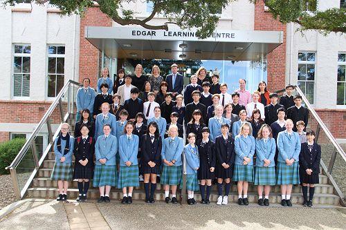 Ichikawa High School Group with their St Hildas an