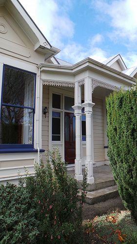 Welcoming Porch - Chestnut Villa